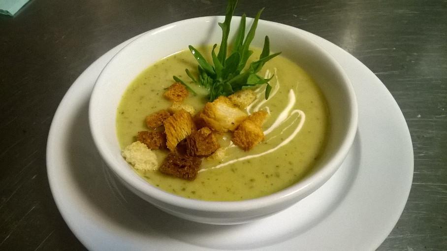 lunch ciepła zupa
